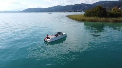 Wasserschi, Wakeboard und Surfen  Reifen oder ein Fallschirmflug über den schönen Wörthersee